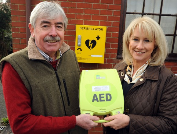 Mayfield Defib,Phil Cook with Nichola O'Halloran